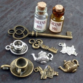 Alice-in-Wonderland-10-Pcs-Steampunk-Antique-1ml-Drink-Me-Bottle-Vial-Jewelry-Charm-Findings-Mix-Lot-99-0-1